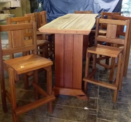Bar with 8 Stools