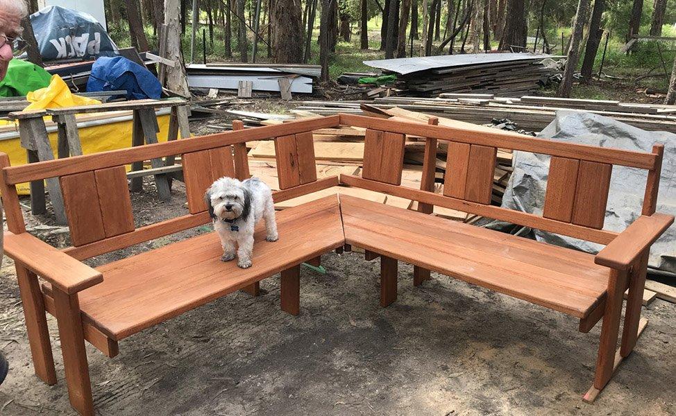 Timber Corner Lounge